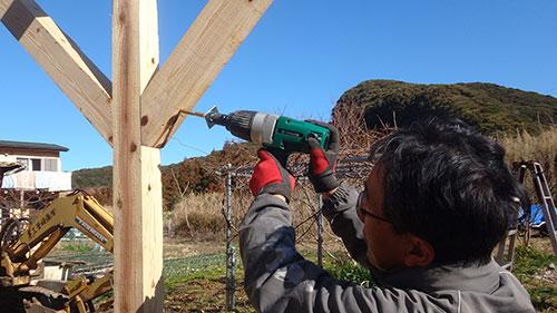 方杖の固定方法 格安簡単小屋の作業 小屋大全