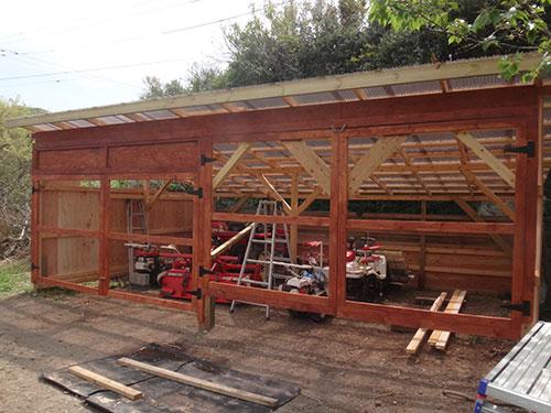 扉の枠の塗装 格安簡単小屋の作業 小屋大全