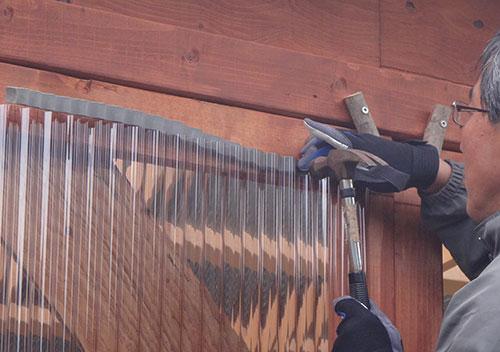 扉作りのコツ波板スペーサー(パッキン)2 格安簡単小屋の作業 小屋大全