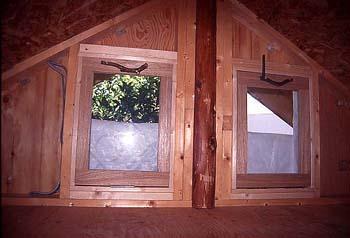 ロフトの窓